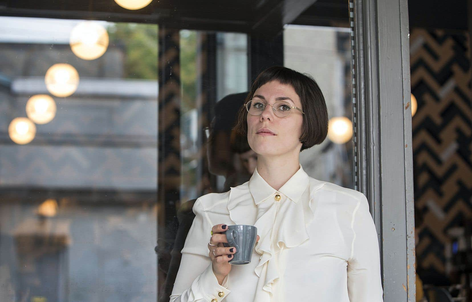 «Mère d'invention» est le premier livre de la spécialiste de Proust qu'est Clara Dupuis-Morency.