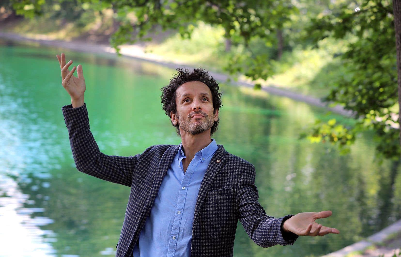 André Sauvé, philosophe en résidence de l'écosystème humoristique, dépiaute à nouveau ses angoisses dans «Ça».