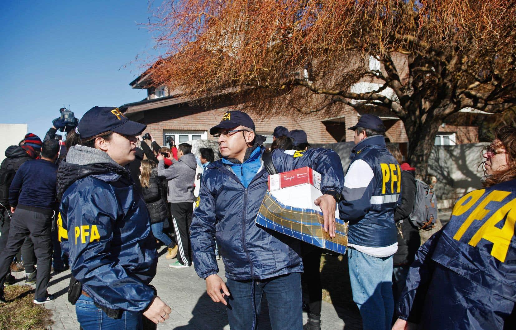 Plusieurs propriétés de Cristina Kirchner ont été fouillées jeudi.