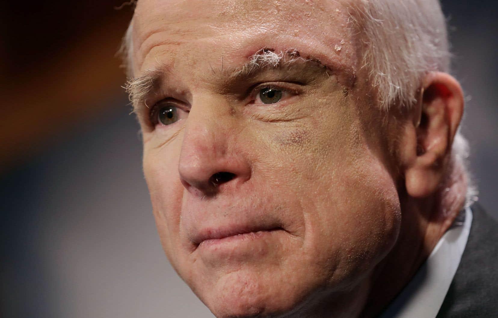 Le sénateur républicain John McCain, 81 ans, était soigné depuis juillet 2017 pour un glioblastome.