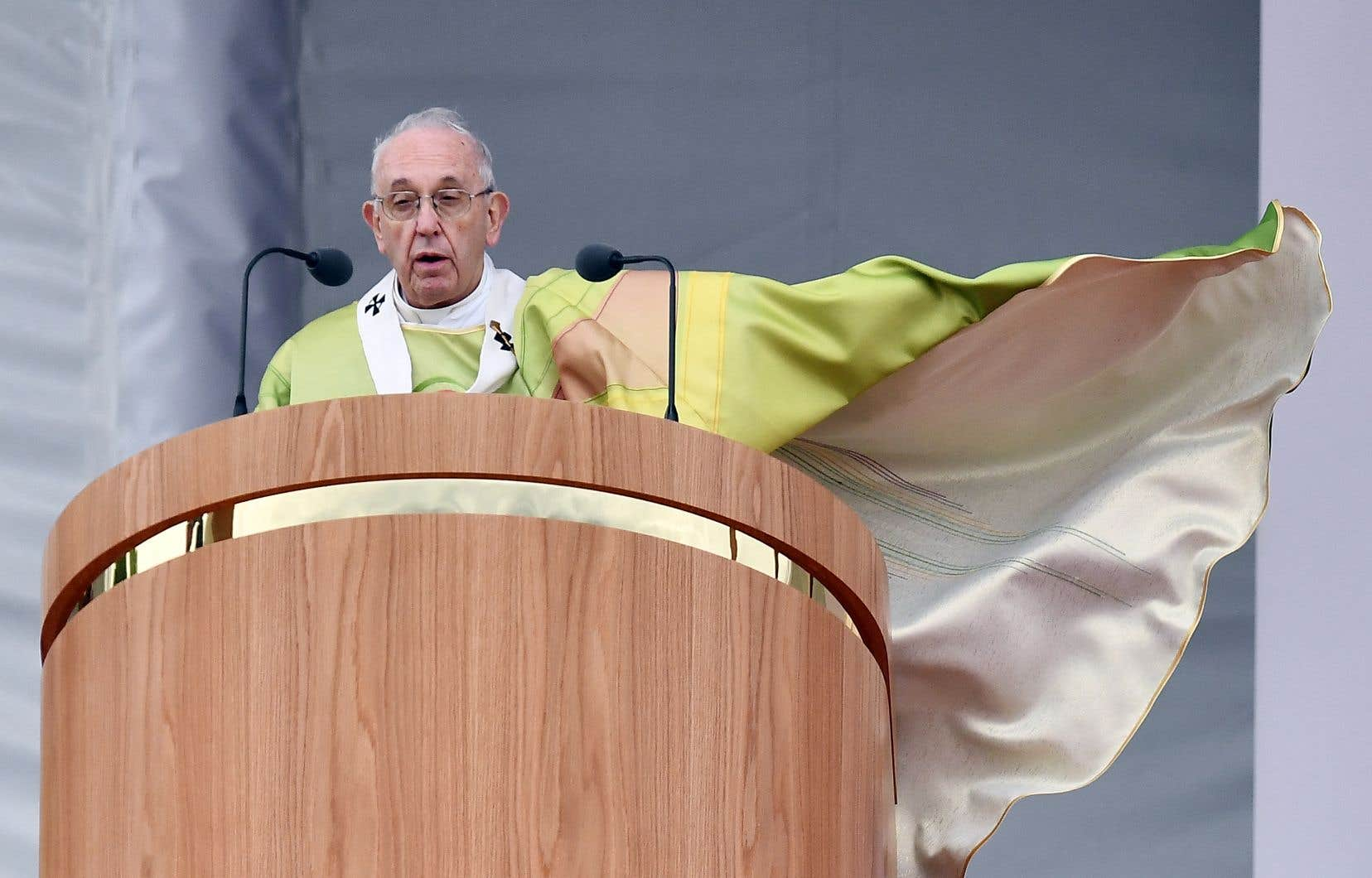 Le pape François durant la messe de dimanche, à Dublin, lors de sa visite en Irlande pour participer à la Rencontre mondiale des familles