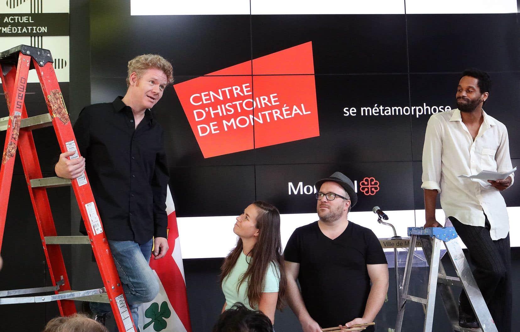 Des comédiens ont réalisé une prestation pour parler de personnages marquants de notre histoire lors du point de presse donné en présence de la mairesse de Montréal, Valérie Plante.