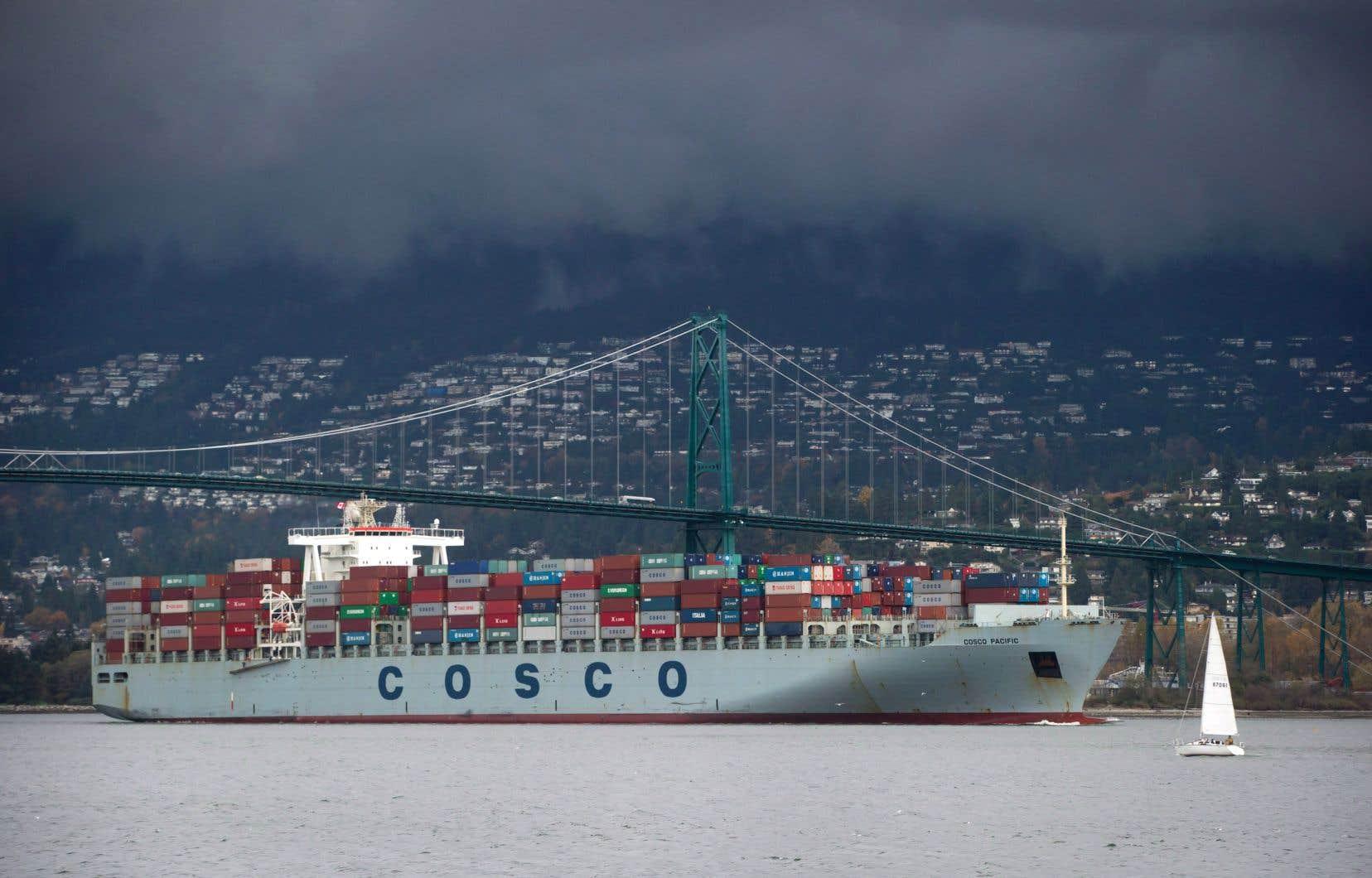 Selon Statistique Canada, la forte accélération de la croissance était principalement attribuable à la hausse des exportations, qui ont progressé de 2,9% au cours du trimestre.