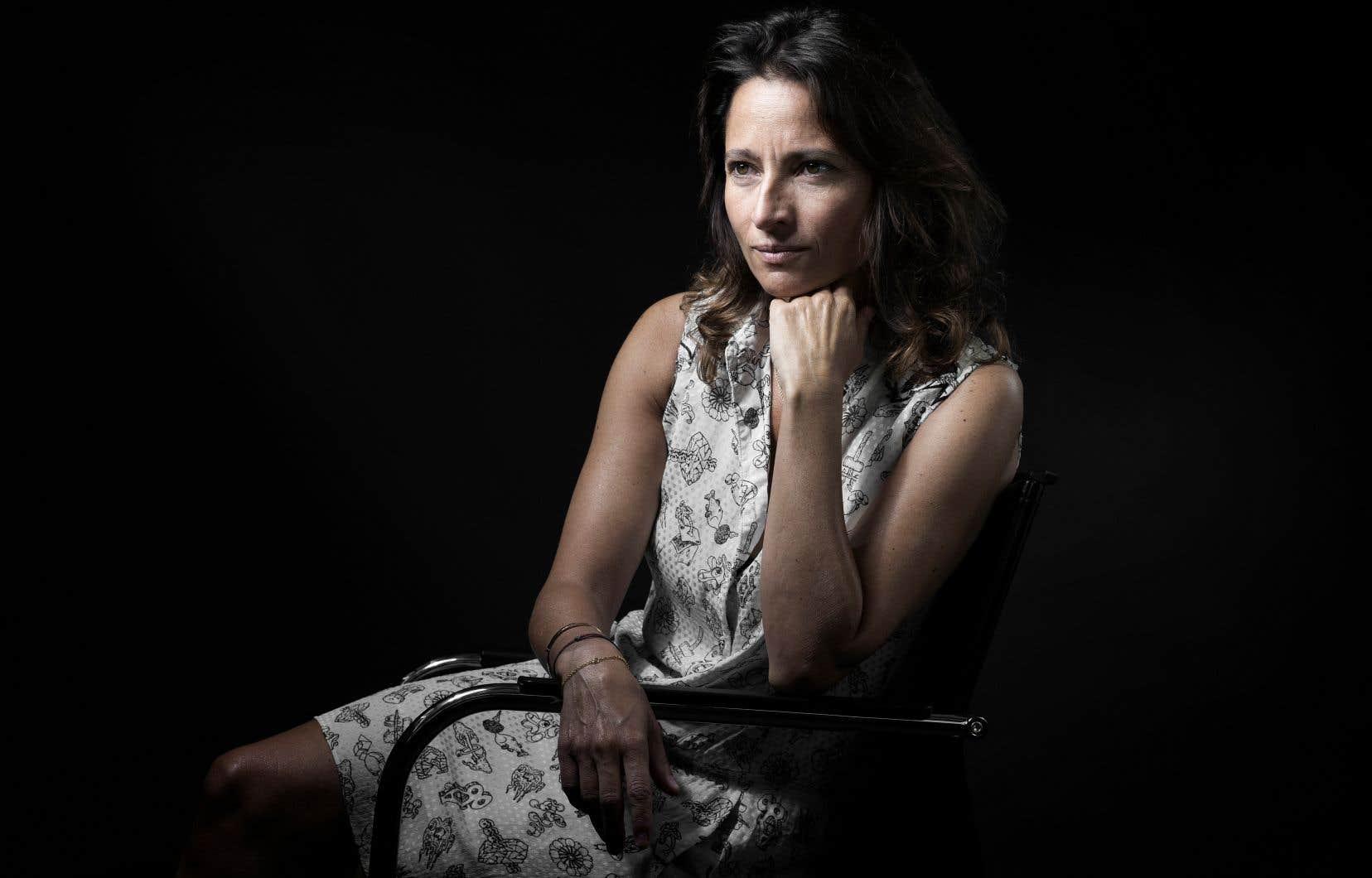 Nina Bouraoui, Prix Renaudot 2005 pour «Mesmauvaises pensées», se distingue par un roman très personnel, servi par une remarquable écriture.