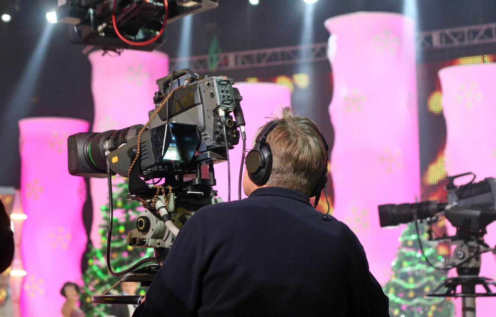 Le CRTC imposera à Bell Média et à Corus d'attribuer un minimum de 75% de leurs dépenses de programmation canadienne à des émissions originales en français.