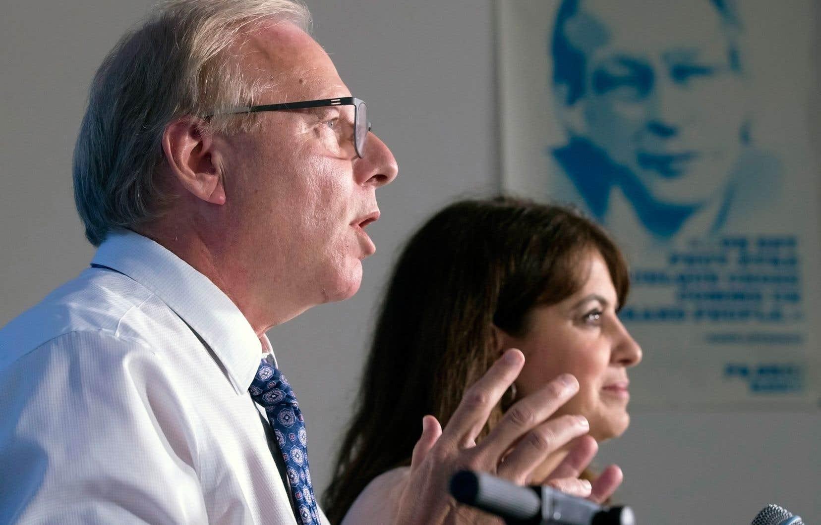 Le chef du Parti québécois, Jean-François Lisée, et Véronique Hivon. «La phrase: