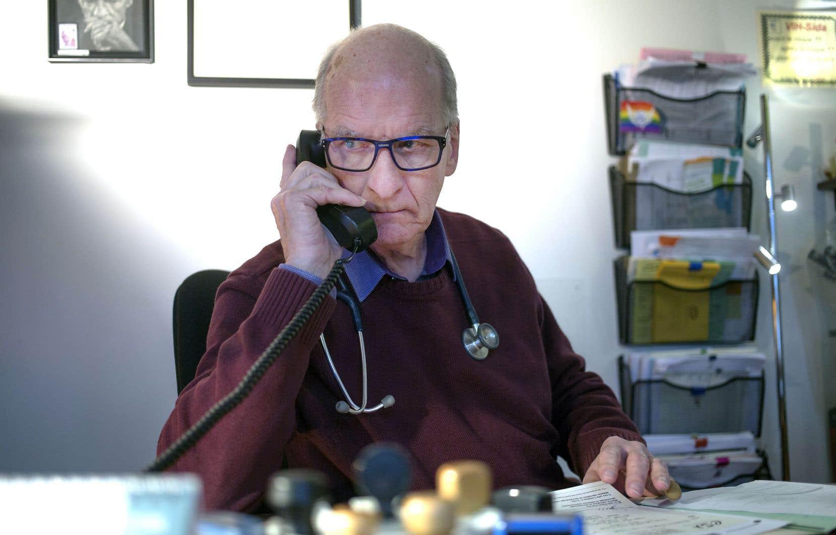 Au contact de ses patients qui sont rejetés par le système de santé, le DrRobert a retenu deux règles d'or pour les apprivoiser et les aider: «les écouter sans juger et les accompagner dans leur décision».