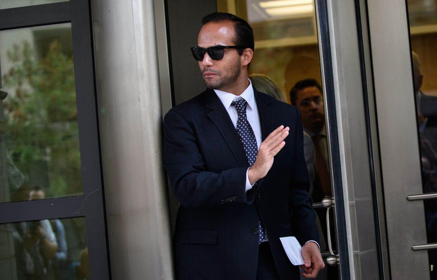 George Papadopoulosa écopé d'une amende de 9 500 dollars et d'un an de libération conditionnelle assortie de travaux d'intérêt général.