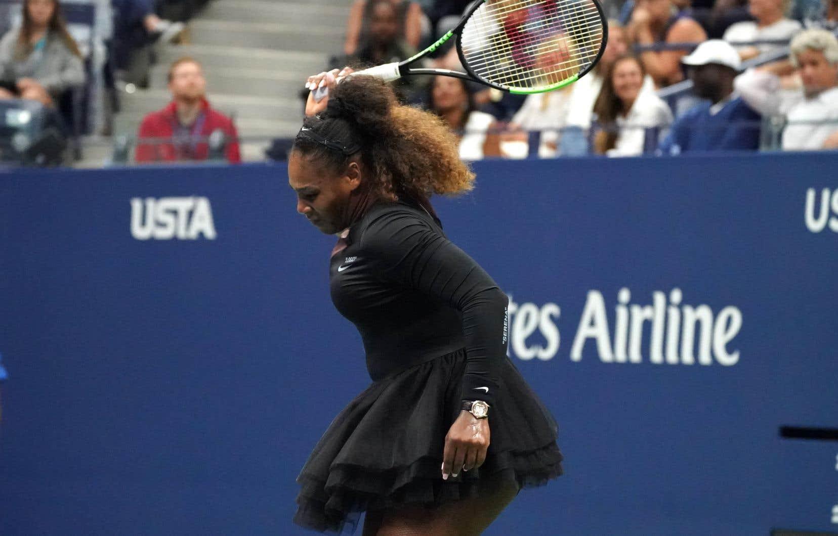 Serena Williams est défaite par la Japonaise Naomi Osaka aux Internationaux de tennis des États-Unis.