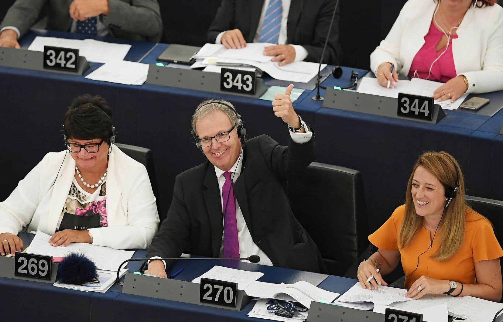 L'adoption du texte, mercredi, était une victoire pour l'eurodéputé allemand Axel Voss, qui défend le projet depuis deux ans.