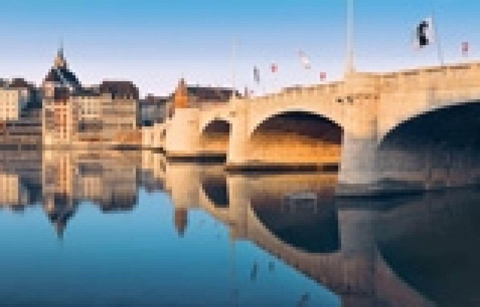 Le pont du Milieu à Bâle.