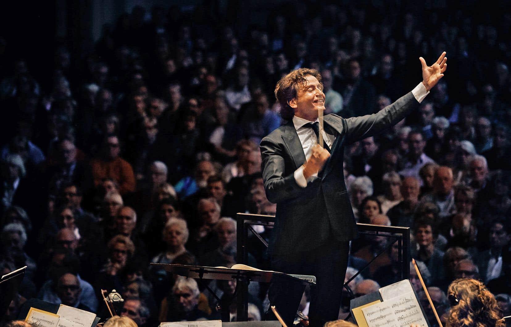 Gustavo Gimeno accède à un poste fort intéressant en Amérique du Nord six ans après avoir commencé la direction d'orchestre.