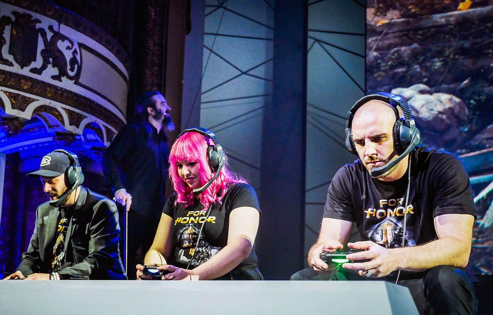 Des «gamers» s'affrontent à l'occasion d'une compétition au jeu «For Honor», conçu par Jason VandenBerghe.