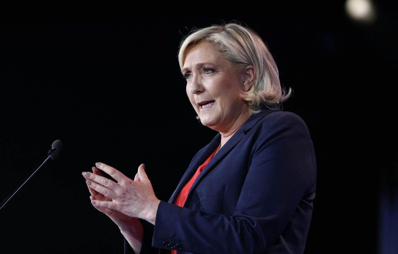 «Dans les régimes totalitaires, c'est une des méthodes qui sont utilisées contre les opposants. Les faire passer pour des fous», a dénoncé Marine Le Pen.