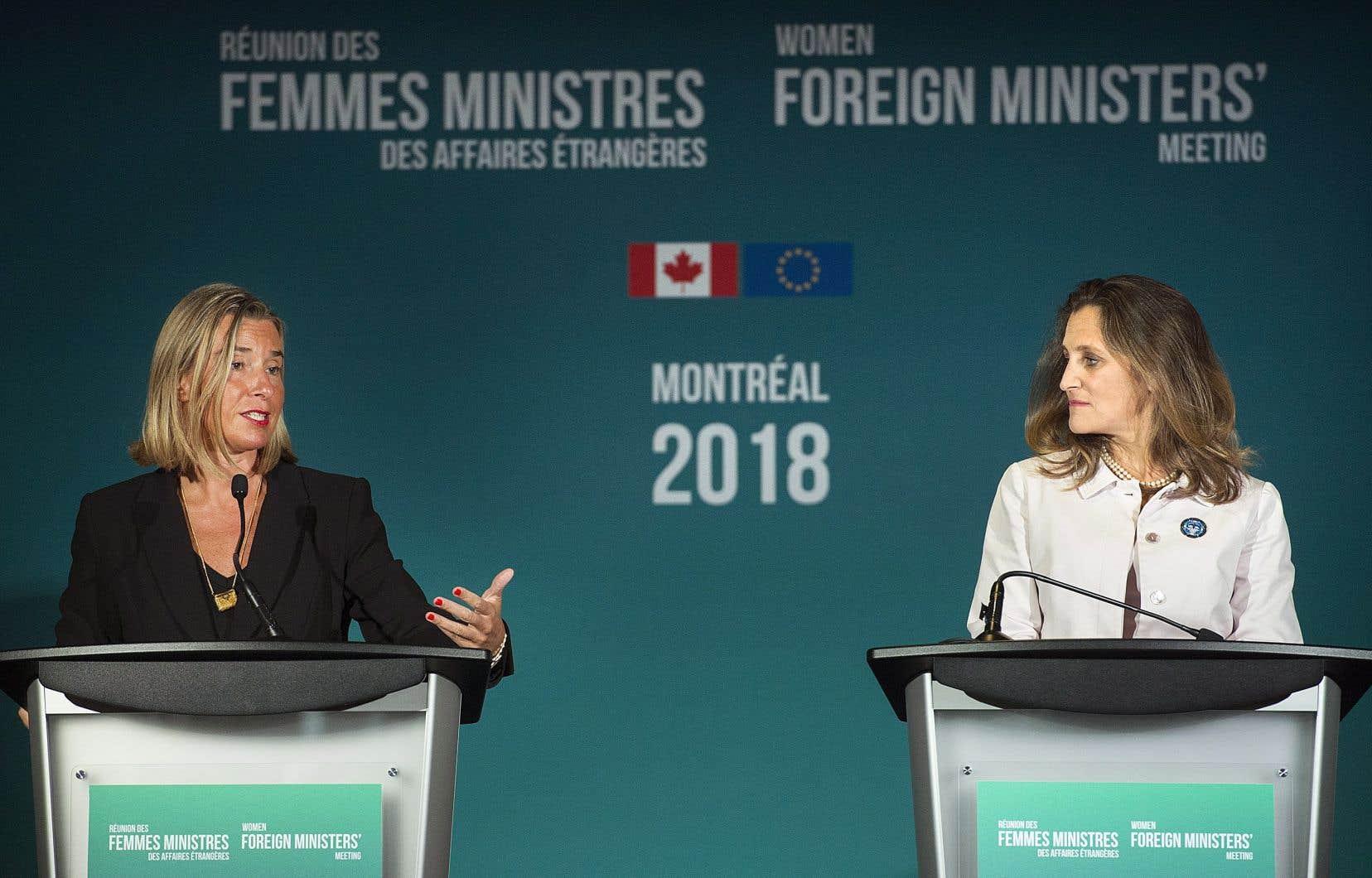 L'événement était organisé par MmeFreeland et la cheffe de la diplomatie de l'Union européenne Federica Mogherini.