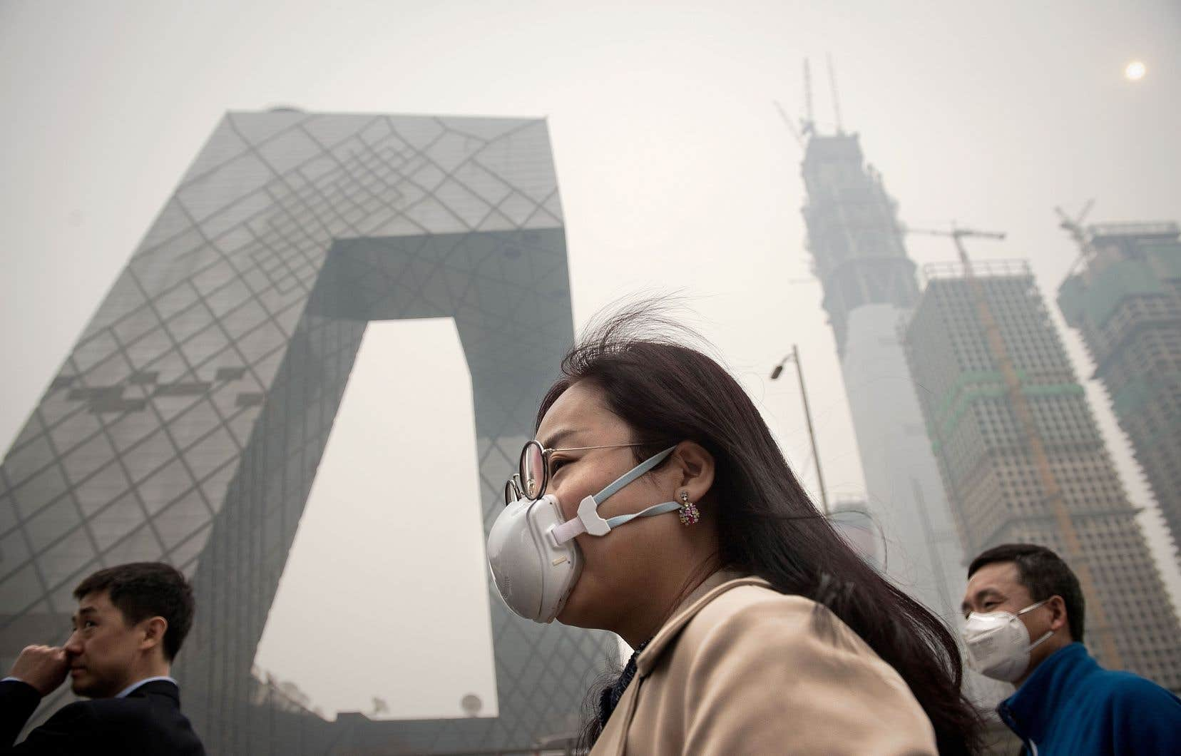 Parmi les 42 pays qui émettent le plus de GES, avec 80% des émissions mondiales, un peu plus de la moitié seulement (54%) ont adopté un système de tarification du carbone.