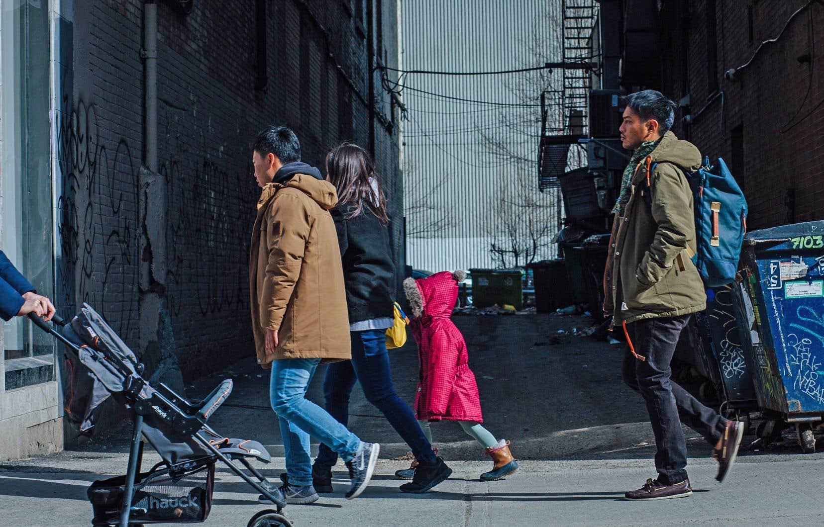 Au Canada, ce sont les deux tiers (67%) des personnes qui prédisent à leurs enfants des jours économiques plus sombres que les leurs.
