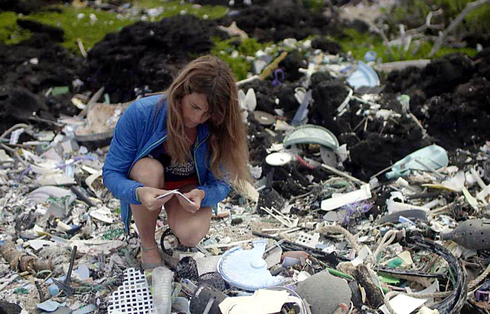 Les lobbys industriels, Coca-Cola en tête, font d'ailleurs tout en leur pouvoir pour que le plastique demeure un produit d'usage très, très courant.