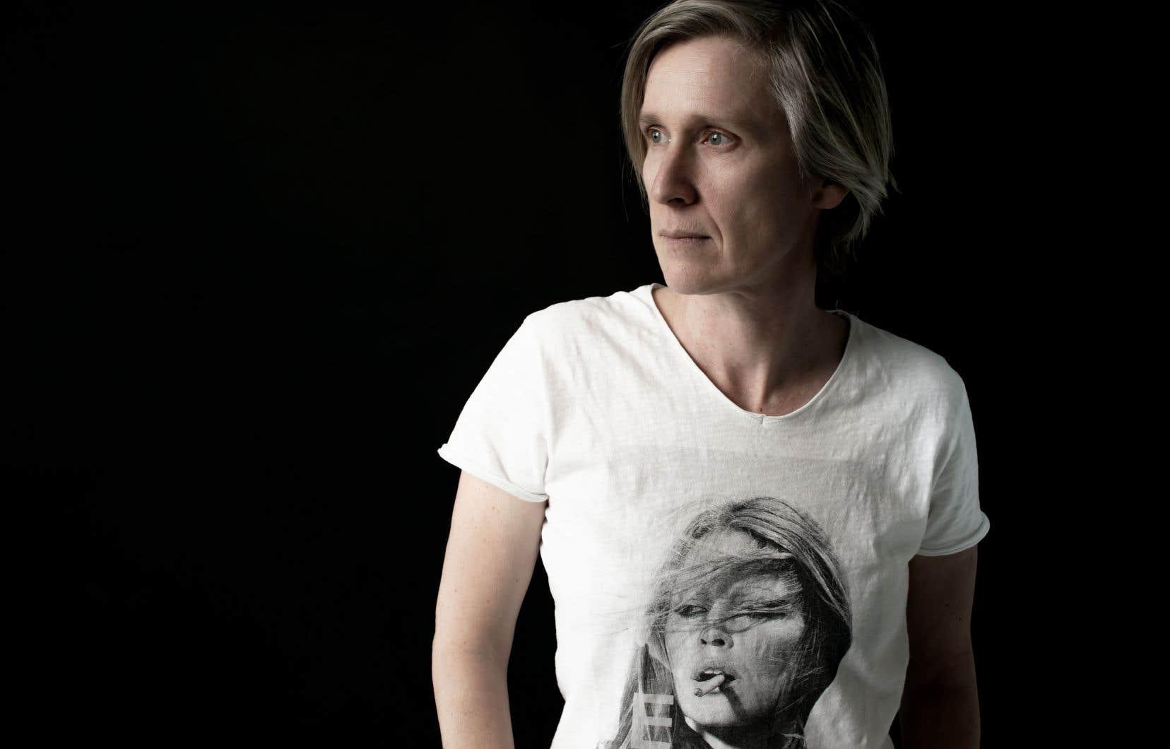 Olga Duhamel-Noyer fait de l'île des vents un véritable personnage.