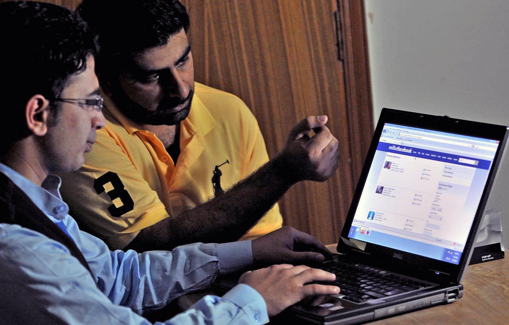 La confiance des utilisateurs de Facebook a été mise à rude épreuve au cours des derniers mois.