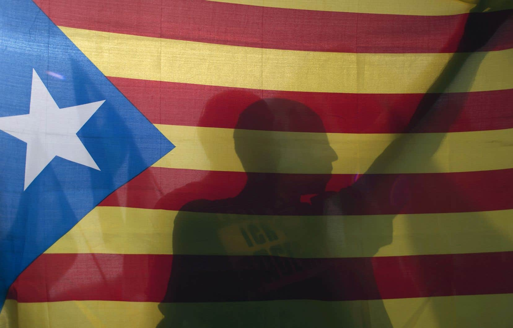 Le 1eroctobre 2017, les Catalans disaient oui à 90% à l'indépendance de la région, lors d'un scrutin référendaire jugé illégal par Madrid. Un an plus tard, l'indépendance n'a toujours pas été mise en œuvre.