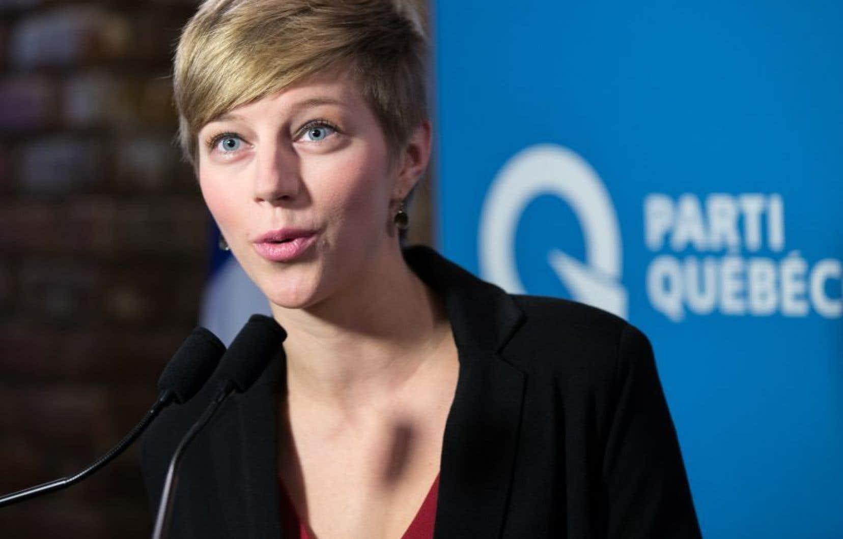La présidente du PQ, Gabrielle Lemieux, alors qu'elle a brigué les suffrages dans Saint-Henri–Saint-Anne en 2015