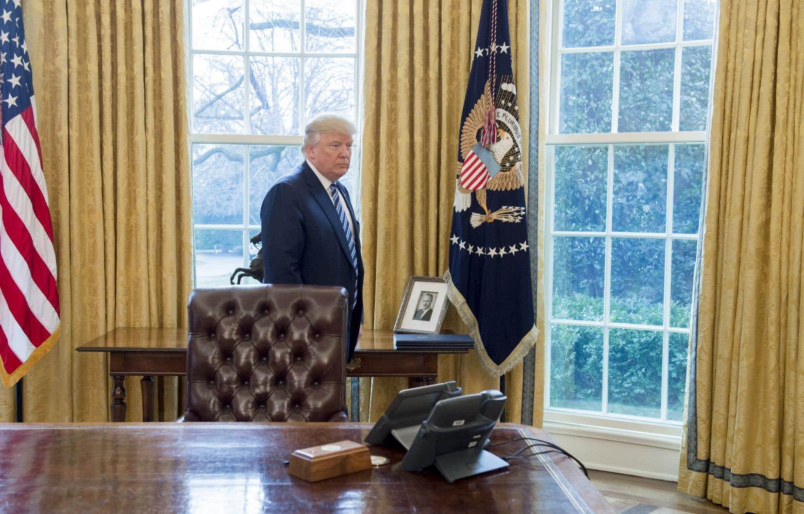 Un portrait de Fred Trump, le père du président américain Donald Trump, trône dans le Bureau ovale