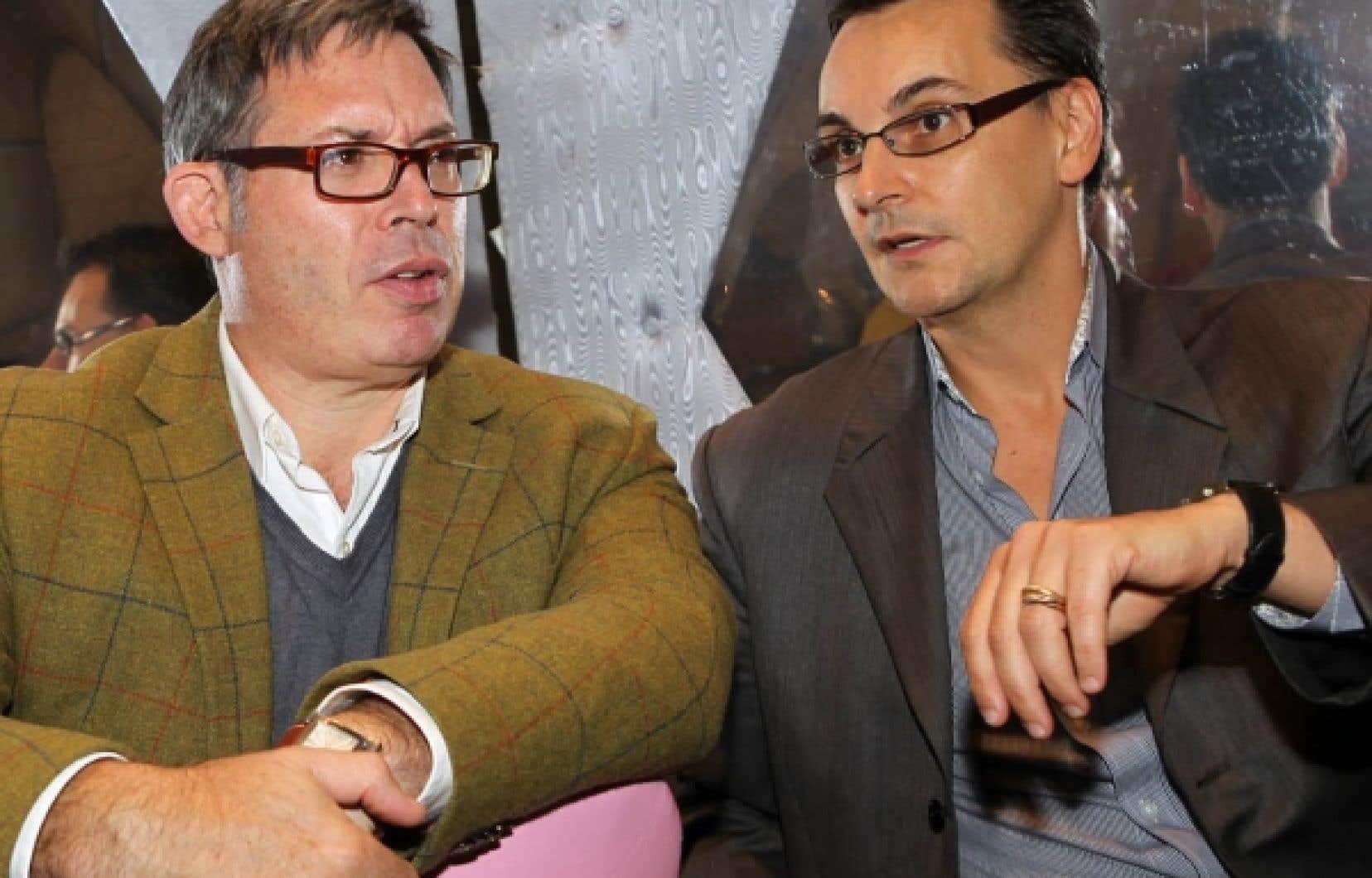Le concepteur scénique André Barbe et le metteur en scène Renaud Doucet