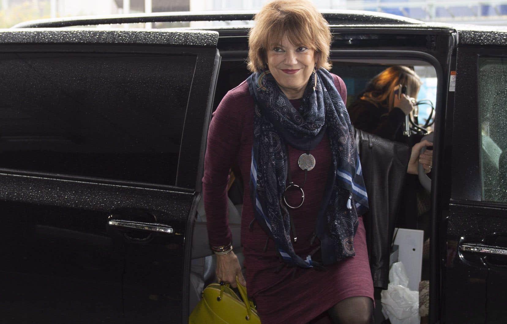 L'ex-ministre réélueHélène David à son arrivée au caucus libéral jeudi matin