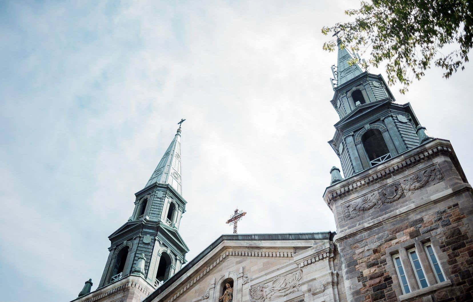 Selon plusieurs experts interrogés, les dossiers que l'Église conserve sur ses prêtres permettraient de révéler d'autres cas d'abus.