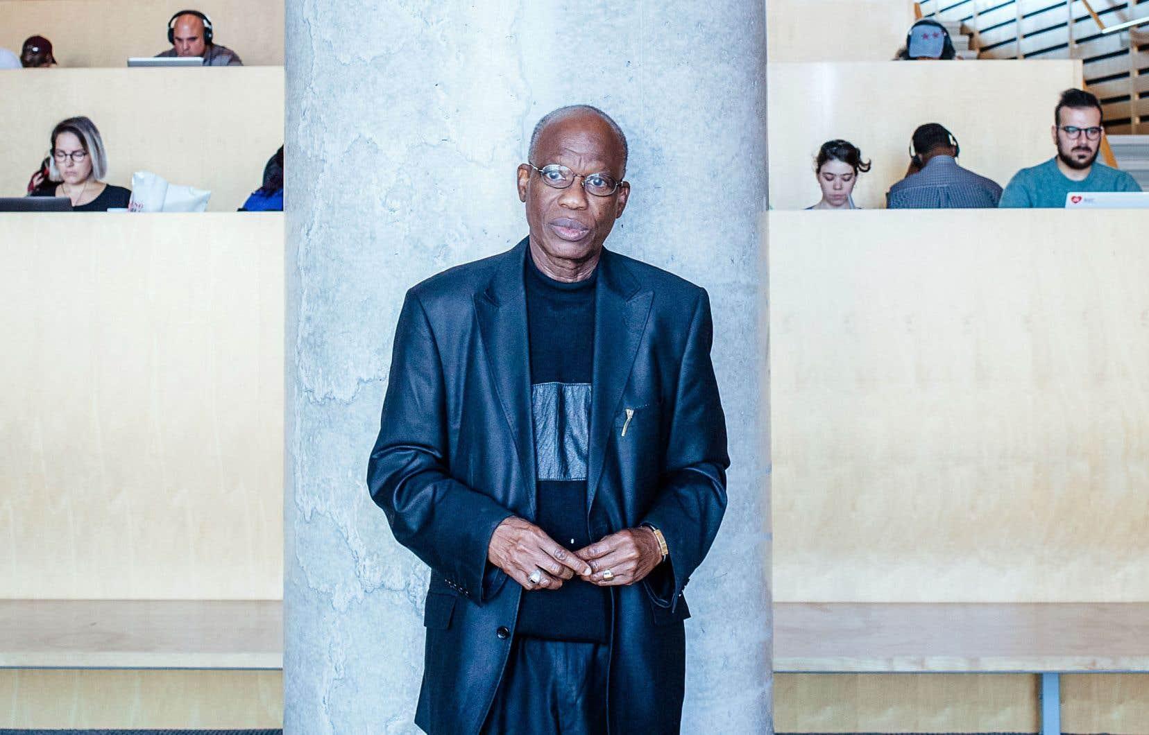 Amadou Lamine Sall travaille d'arrache-pied pour arriver à faire rayonner la poésie africaine francophone.