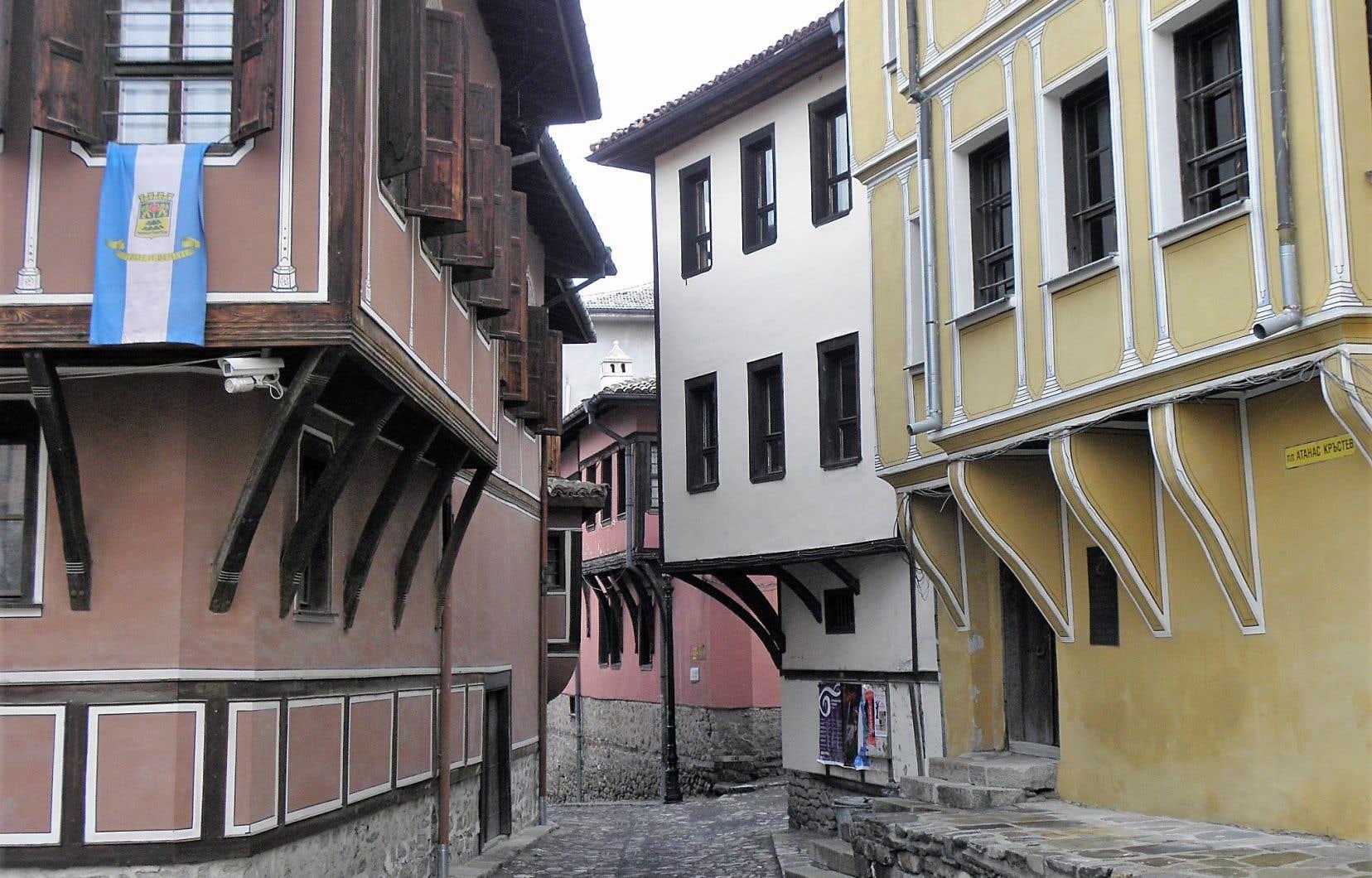 Visiter Plovdiv, c'est à la fois un voyage dans le temps et dans la modernité. Son joyau? La vieille ville avec ses rues pavées, datant de l'ère romaine, et ses maisons bourgeoises de la Renaissance.