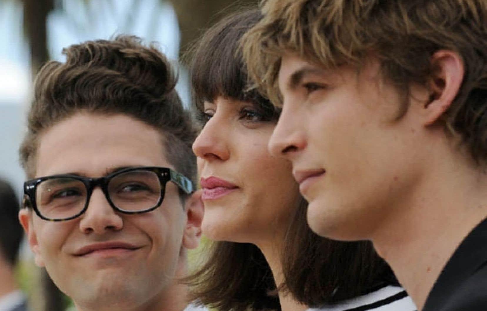 Le réalisateur Xavier Dolan et les acteurs Monia Chokri et Niels Schneider réunis pour la séance photographique tenue à l'occasion de la présentation du film Les Amours imaginaires, samedi, à Cannes.