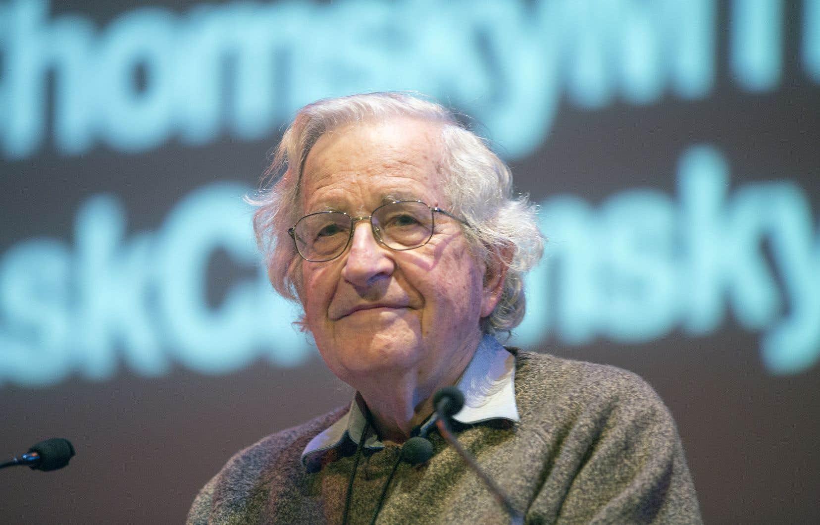 Dans le réquisitoire érudit qu'il dresse contre Washington, Noam Chomsky donne l'exemple le plus parlant d'une hypocrisie.