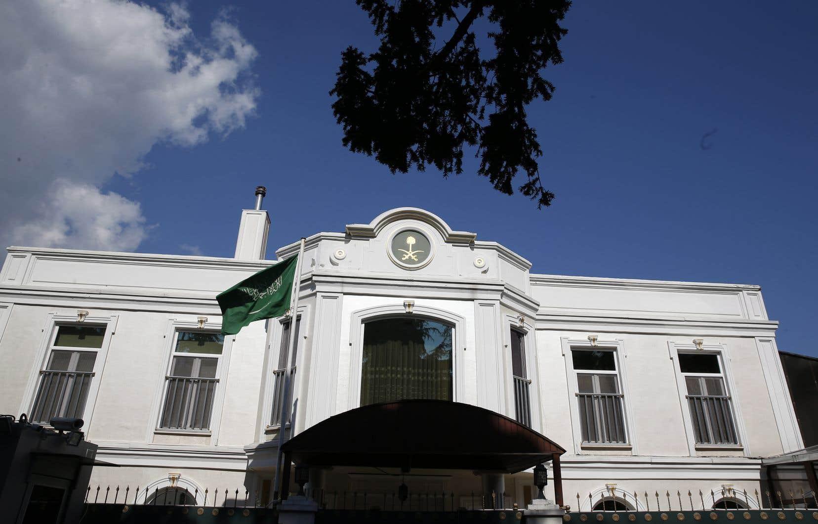 Jamal Khashoggi a été vu pour la dernière fois entrant dans le consulat d'Arabie saoudite à Istanbul.