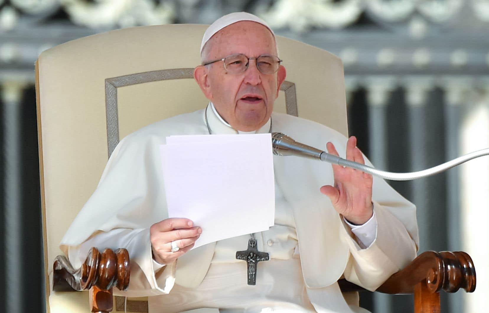 Mercredi,le pape François a assimilé l'avortement au recours à «un tueur à gages pour résoudre un problème».