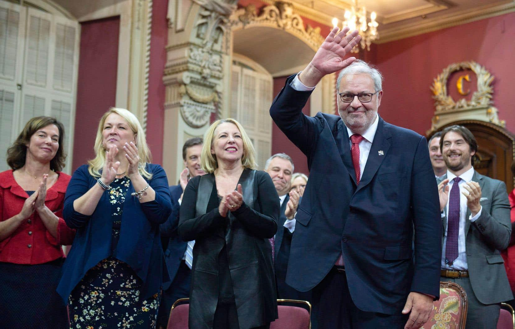Pierre Arcand a salué les partisans du PLQ à l'occasion de l'assermention des députés libéraux, lundi, à l'Assemblée nationale.