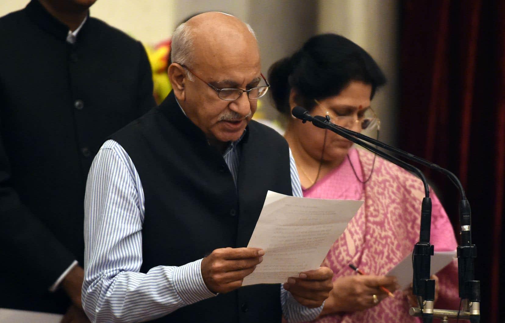Le ministre M.J. Akbar a annoncé mercredi renoncer à ses fonctions pour se défendre à titre personnel des accusations qu'il dément.