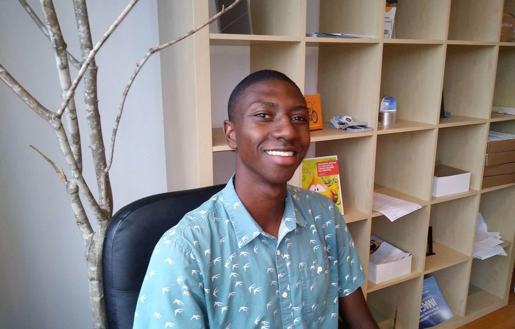 Sékou-Oumar Kaba, bachelier en physique de l'Université Laval, vulgarise dans une capsule de trois minutes le phénomène des supraconducteurs.