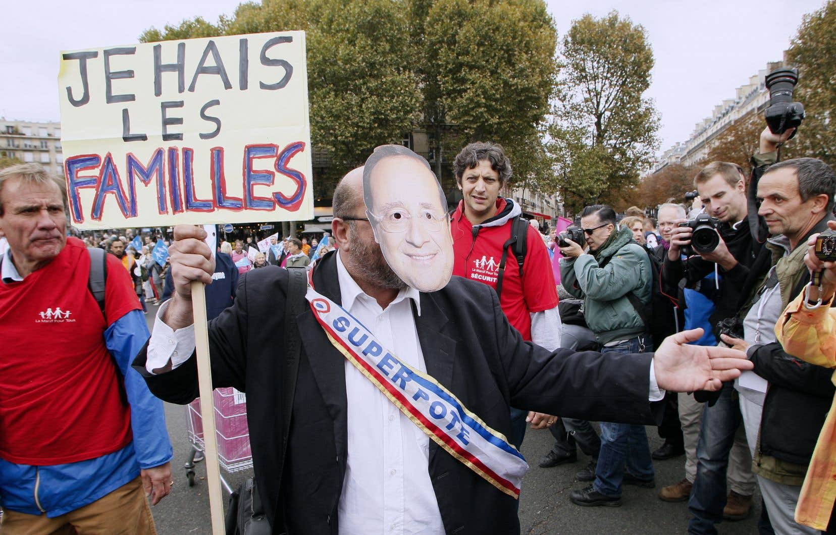 <p>Pour une question aussi délicate que la mort, un consensus a été rapidement atteint de ce côté-ci de l'Atlantique sur le droit de demander l'aide à mourir, la France se gardant pour l'heure d'aller plus loin que le droit de refus au traitement.</p>