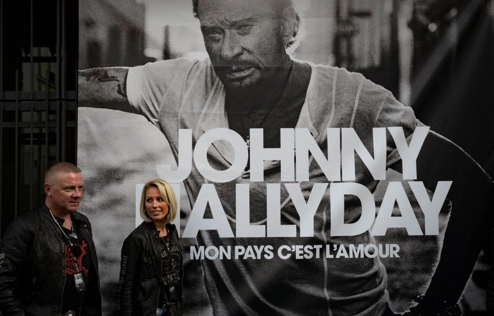 Mon pays c'est l'amour, l'album posthume de Johnny Hallyday, s'est vendu à 631 473 exemplaires physiques (CD et vinyles) en France depuis sa sortie vendredi.