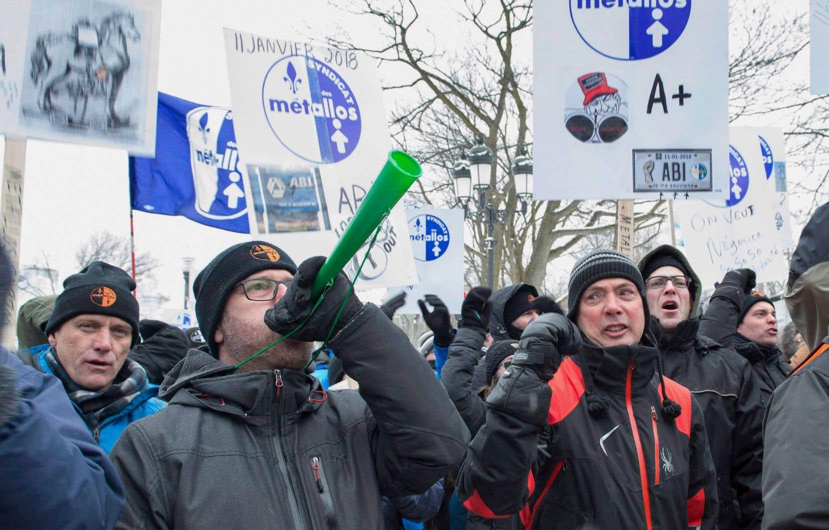 Les 1030 travailleurs d'ABI sont en lockout depuis le 11janvier.