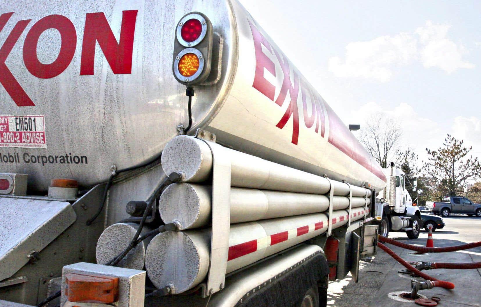 La procureure générale de l'État de New Yorkallègue qu'Exxon trompe ses actionnaires en minimisant sciemment le risque financier auquel la réglementation liée au changement climatique l'expose.