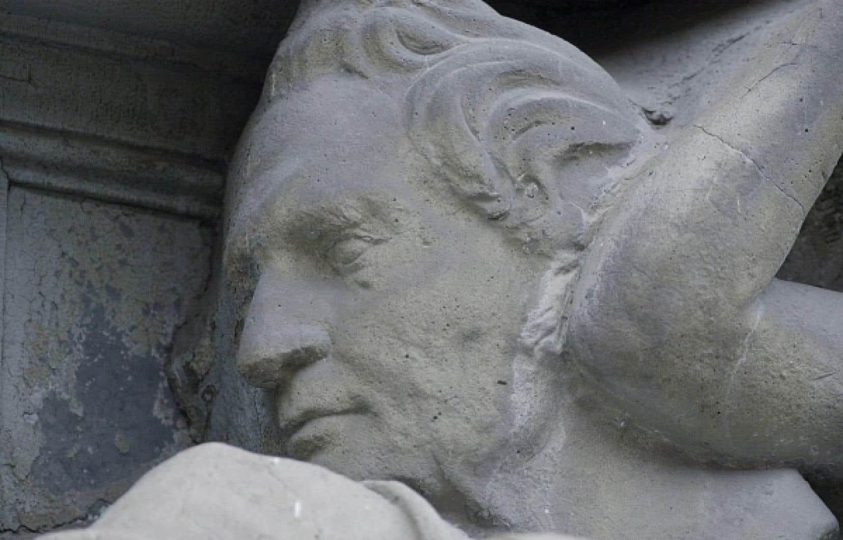 Haut-relief représentant Louis-Joseph Papineau sur une façade de la rue Saint-Denis, à Montréal