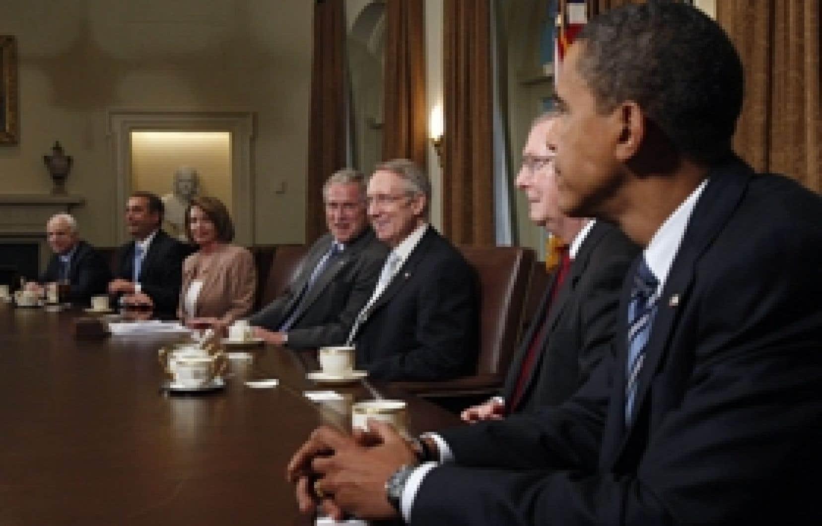 La rencontre entre le président Bush et les candidats à la présidence, John McCain et Barack Obama, n'a pas donné les résultats escomptés.