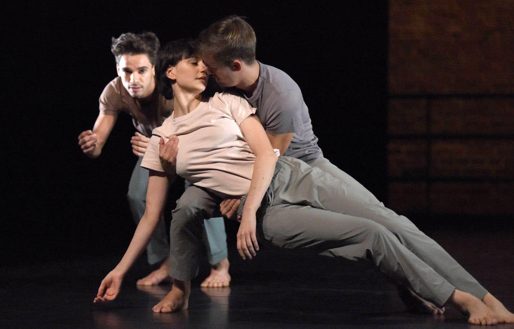 Les danseurs Jonathan dos Santos, Sandra Bourdais et David Rodriguez