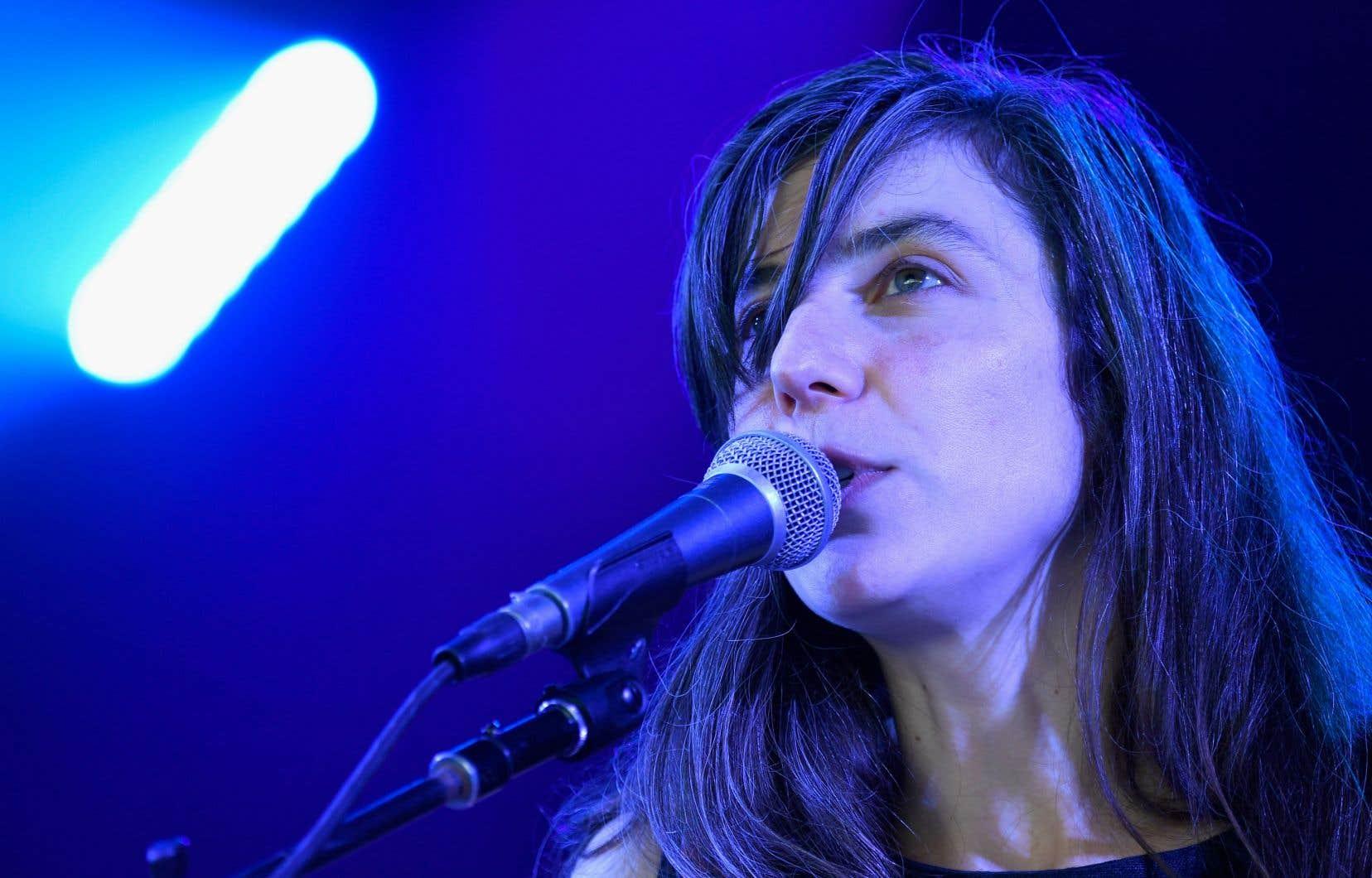 Julia Holter cherche à cultiver le mystère pour que «l'auditeur puisse lui-même se forger une idée, se faire une compréhension de la musique et de sa signification».