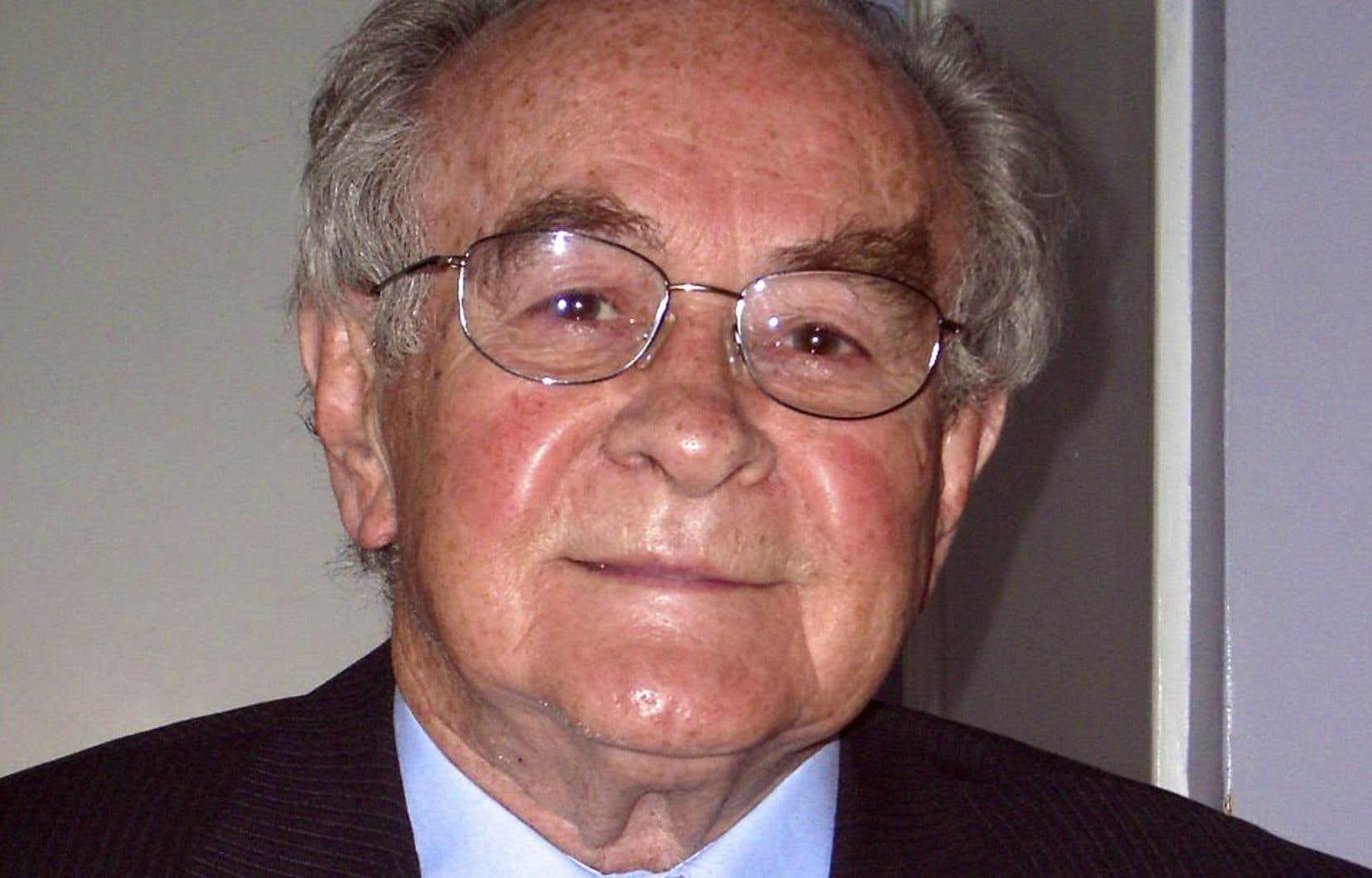 Louis O'Neill était de cette génération pour qui le combat en faveur des plus faibles était un devoir et une exigence morale, souligne l'auteur.