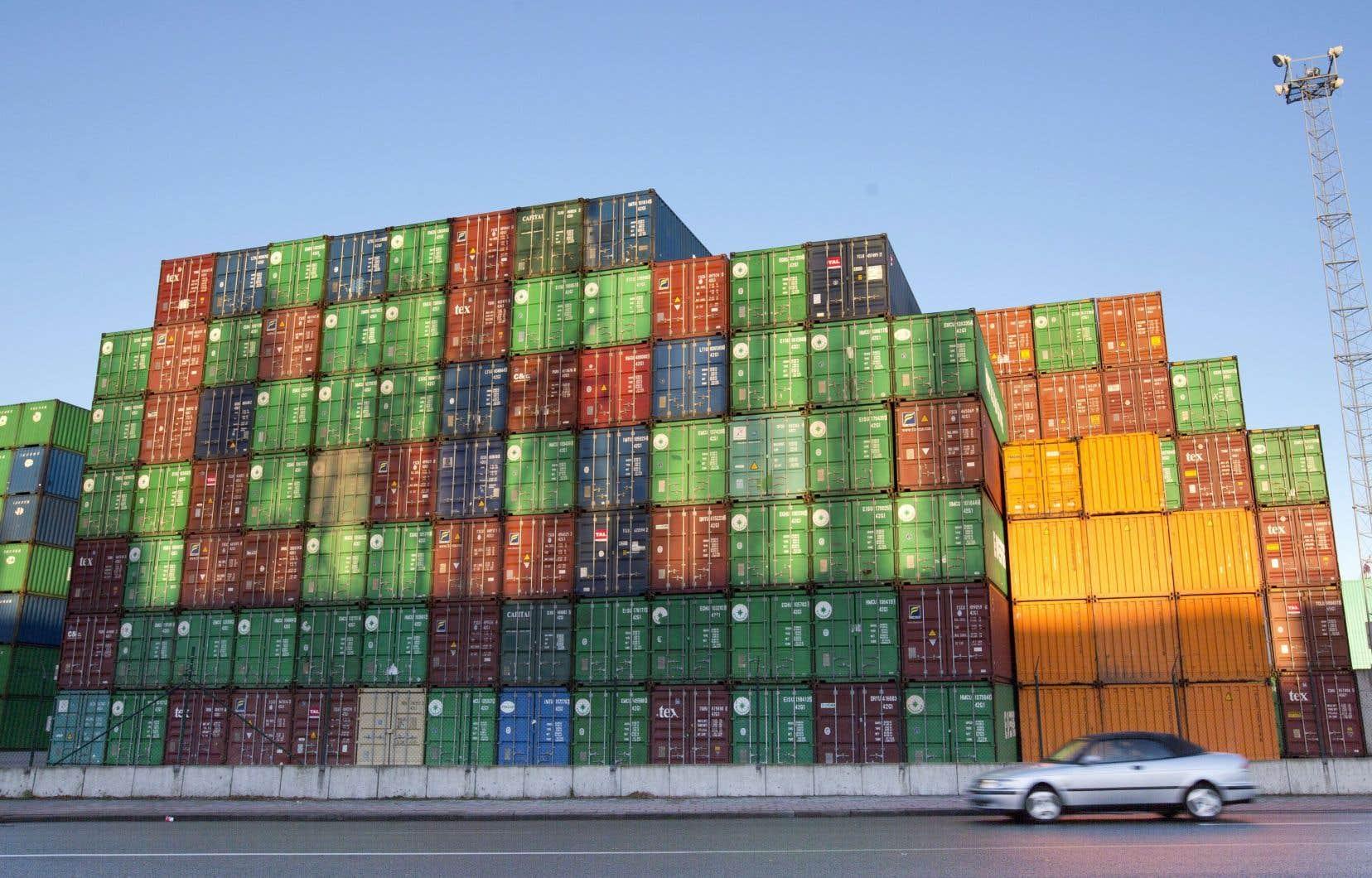 La population de la plupart des pays pense que le commerce international est une bonne chose pour leur pays. Mais les sondeurs ne savent pas trop pourquoi on a cette opinion positive.
