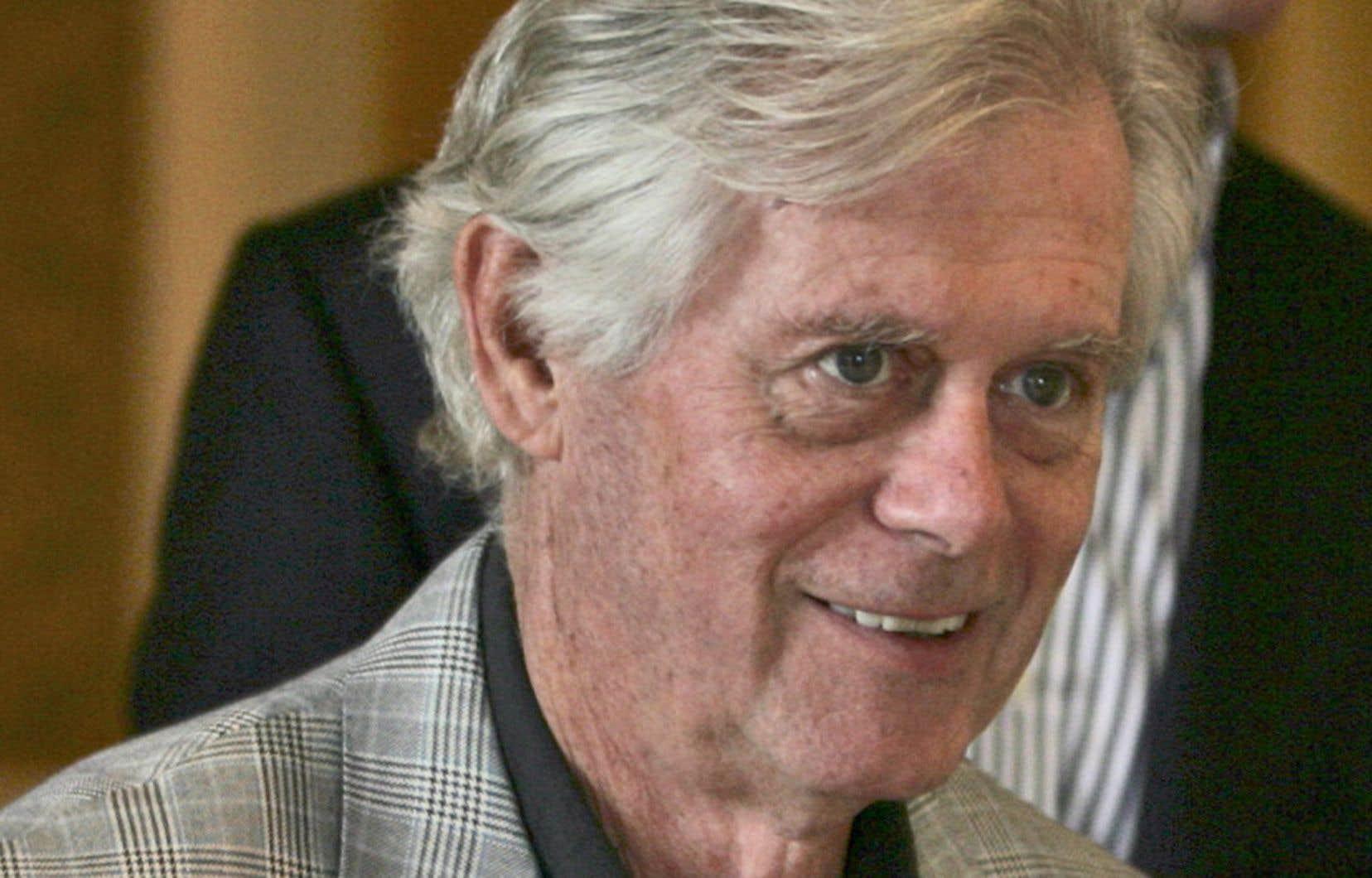 John Ziegler a joué au hockey amateur de 1949 à 1969, mais c'est son travail dans le monde du droit qui lui a ouvert les portes de la LNH.